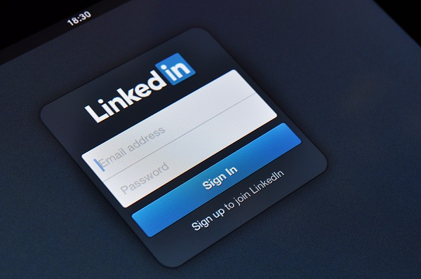 LinkedIn earnings battered by Google Ads